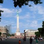 latvia-freedom-monument-02
