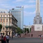 latvia-freedom-monument-03