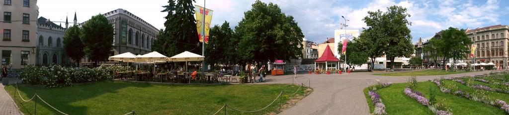 Livi Square